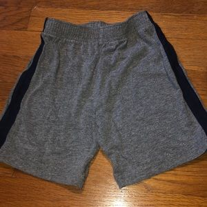 Children's Place boys size 4T shorts